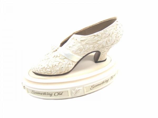 Just the right shoe, Raine, I Do Box, 25401